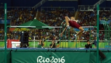 lo-andris-gonzalez-gano-diploma-paralimpico-en-salto-alto