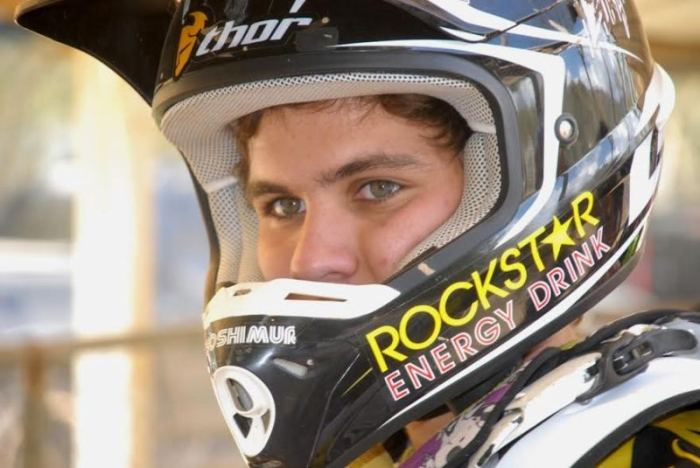 oscar-esparis-logro-bicampeonato-nacional-de-motocross